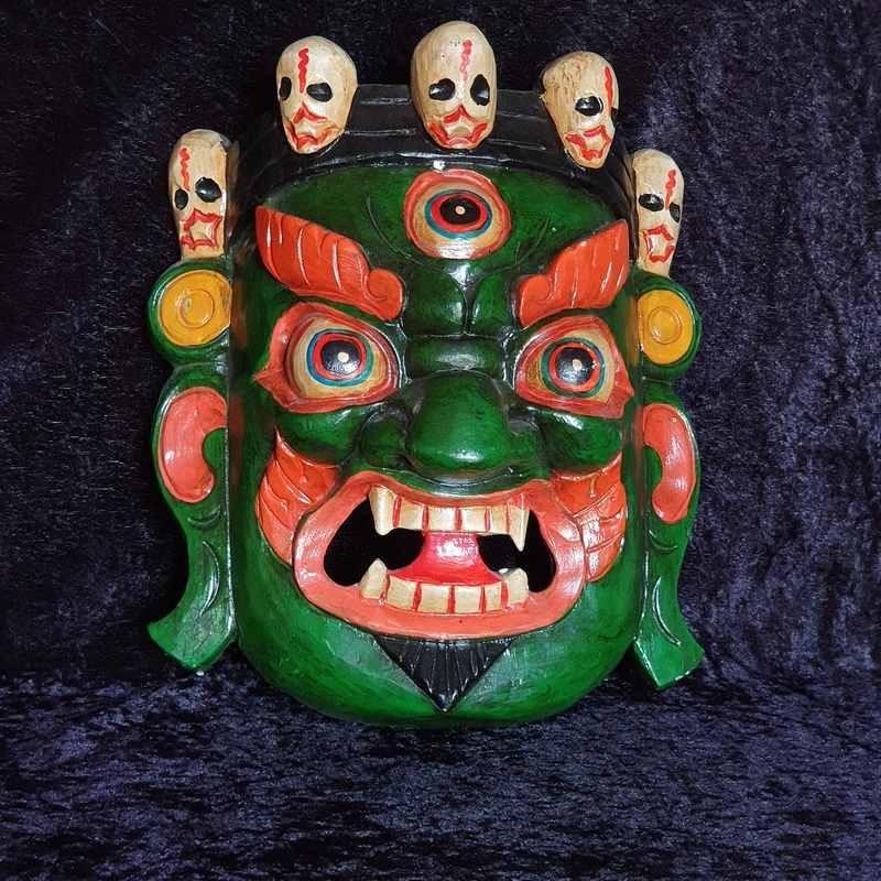 Masque tibétain sculpté en bois, et peint à la main