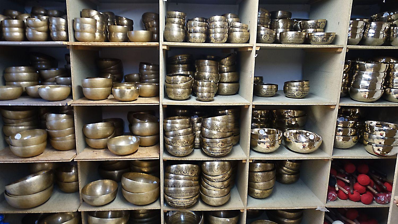 dans la salle des bols tibétains